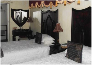 ROOM 5 – TUDOR Luxury Twin Room B&B